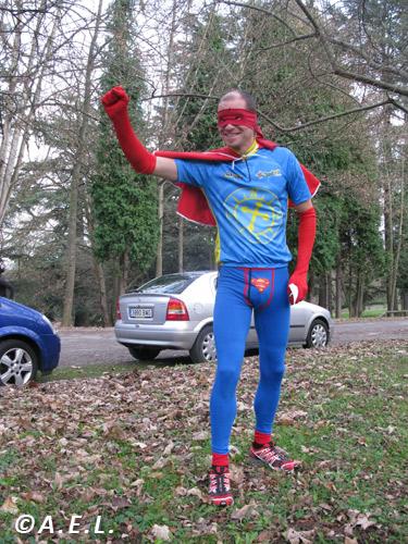 Orienta-Man(Orienta-Home), el super-heróe de la orientación asturiana.